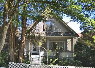 """Photo 2: 1319 E 37TH Avenue in Vancouver: Knight House for sale in """"KNIGHT ST RIDGEWAY"""" (Vancouver East)  : MLS®# R2332228"""