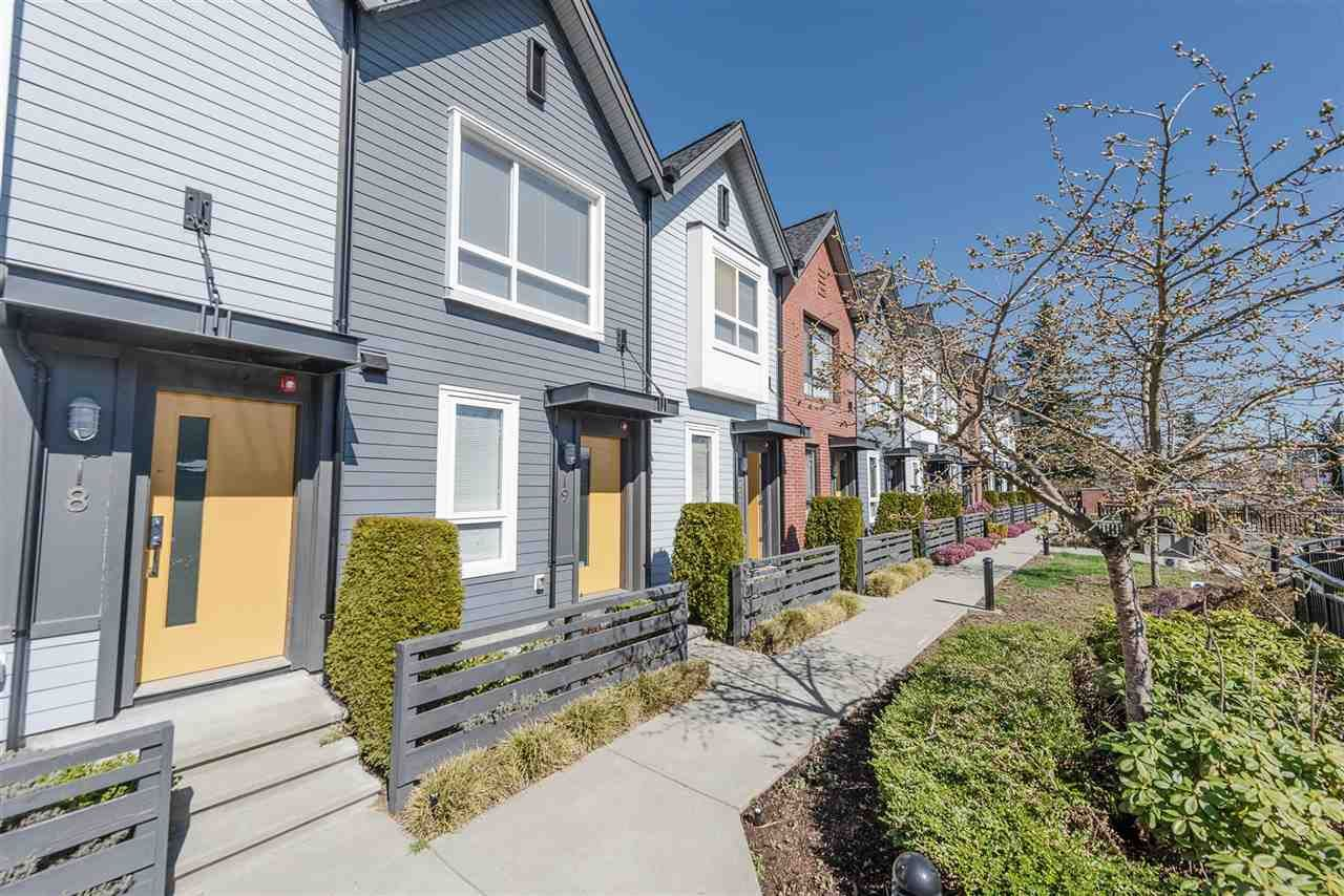 "Main Photo: 26 6868 BURLINGTON Avenue in Burnaby: Metrotown Townhouse for sale in ""METRO"" (Burnaby South)  : MLS®# R2384217"