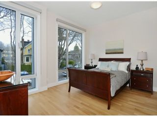 "Photo 12: 2048 WHYTE Avenue in Vancouver: Kitsilano 1/2 Duplex for sale in ""Kits Point"" (Vancouver West)  : MLS®# V1055098"