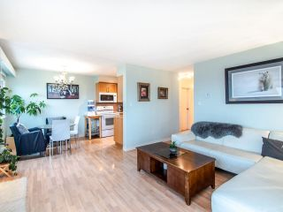 "Photo 6: 305 45 FOURTH Street in New Westminster: Downtown NW Condo for sale in ""DORCHESTER"" : MLS®# R2515848"