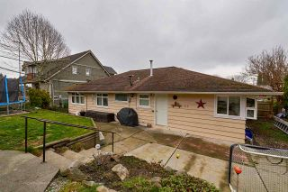 """Photo 10: 105 COLLEGE Court in New Westminster: Queens Park House for sale in """"Queens Park"""" : MLS®# R2039051"""