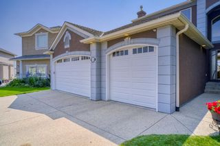 Photo 3: 218 Sienna Park Bay SW in Calgary: Signal Hill Detached for sale : MLS®# A1132920