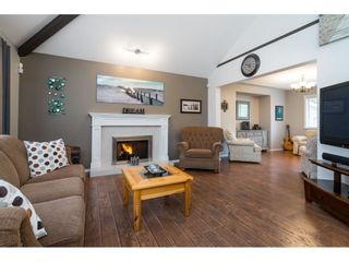 """Photo 6: 3378 198 Street in Langley: Brookswood Langley House for sale in """"Meadowbrook"""" : MLS®# R2555761"""