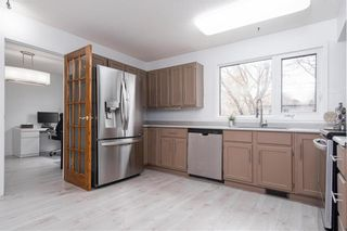 Photo 8: 47 Salisbury Crescent in Winnipeg: Waverley Heights Residential for sale (1L)  : MLS®# 202110538
