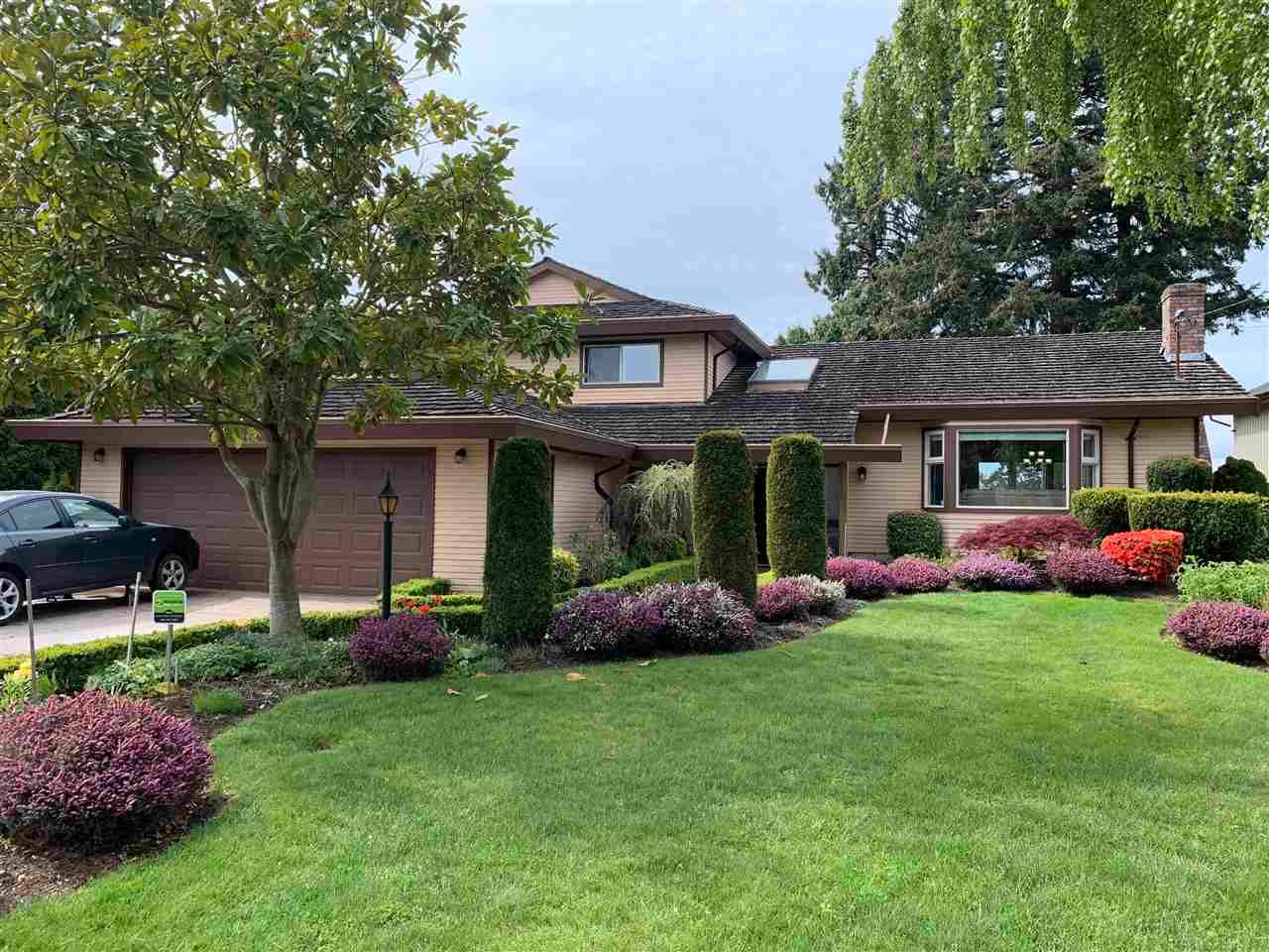 Main Photo: 5243 UPLAND Drive in Delta: Cliff Drive House for sale (Tsawwassen)  : MLS®# R2576077