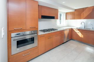 """Photo 11: 404 5958 IONA Drive in Vancouver: University VW Condo for sale in """"ARGYLL HOUSE EAST"""" (Vancouver West)  : MLS®# R2363675"""