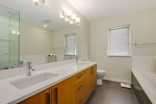 Photo 14: 2525 WOODLAND Drive in Vancouver: Grandview Woodland Townhouse for sale (Vancouver East)  : MLS®# R2355354