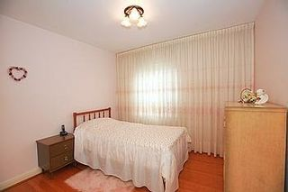 Photo 4: 23 Hancock Crest in Toronto: Wexford-Maryvale House (Bungalow) for sale (Toronto E04)  : MLS®# E3063654