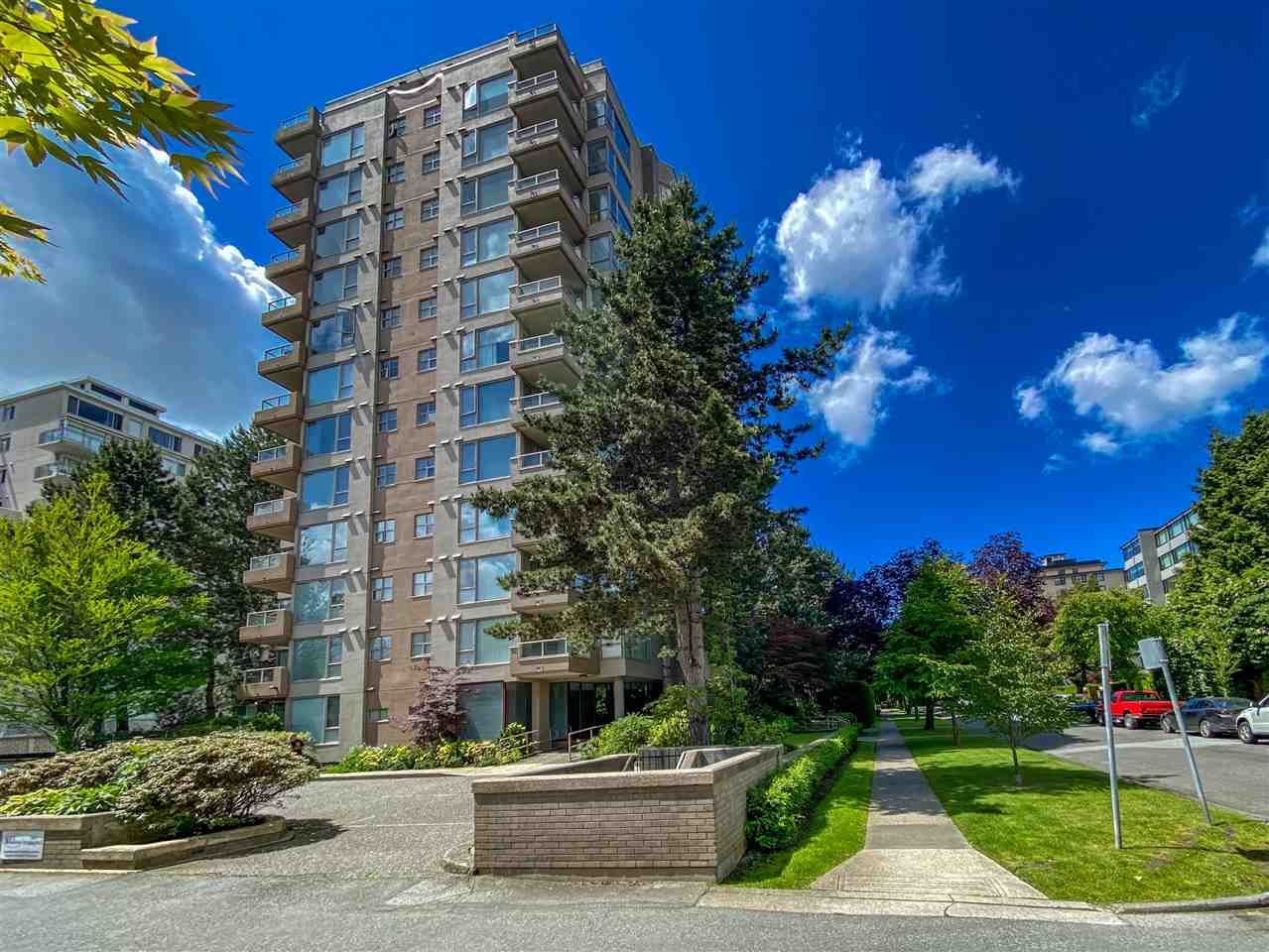 """Main Photo: 601 2108 W 38TH Avenue in Vancouver: Kerrisdale Condo for sale in """"THE WILSHIRE"""" (Vancouver West)  : MLS®# R2577338"""