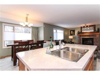 Photo 4: 9177 21 Street SE in Calgary: Riverbend House for sale : MLS®# C4096367
