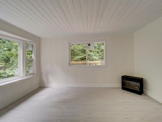 Photo 14: 17 240 HARRY Road in Gibsons: Gibsons & Area Manufactured Home for sale (Sunshine Coast)  : MLS®# R2588608