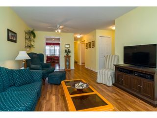 Photo 7: 203 20240 54A AVENUE in Langley: Langley City Condo for sale : MLS®# R2194442