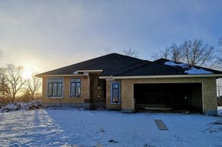 Photo 1: 10 Curry Drive in Headingley: Headingley North Residential for sale (5W)  : MLS®# 202103947