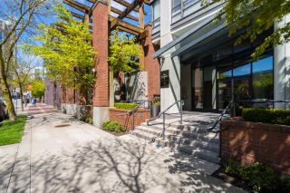 """Photo 2: PHB 139 DRAKE Street in Vancouver: Yaletown Condo for sale in """"CONCORDIA II"""" (Vancouver West)  : MLS®# R2169422"""