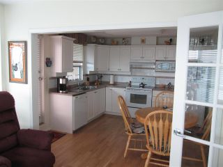 """Photo 7: 601 12148 224 Street in Maple Ridge: East Central Condo for sale in """"PANORAMA"""" : MLS®# R2158878"""