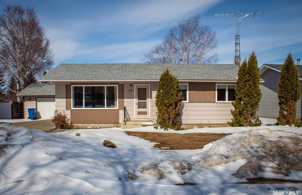 Main Photo: 114 Churchill Drive in Melfort: Residential for sale : MLS®# SK847039