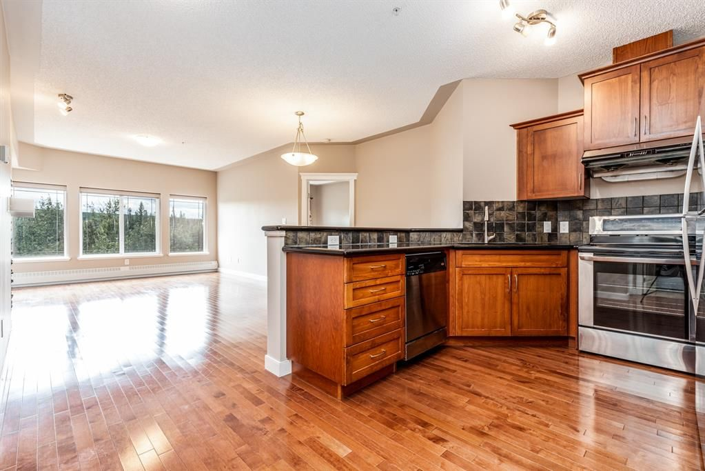 Main Photo: 408 20 Discovery Ridge Close SW in Calgary: Discovery Ridge Apartment for sale : MLS®# A1143408