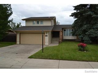 Photo 1: 306 Dore Way in Saskatoon: Lawson Heights Single Family Dwelling for sale (Saskatoon Area 03)  : MLS®# 544374