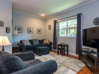 Photo 2: 9 1285 Guthrie Rd in COMOX: CV Comox (Town of) Row/Townhouse for sale (Comox Valley)  : MLS®# 787901