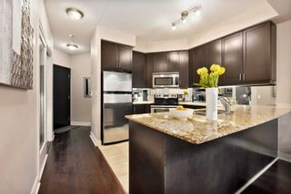 Photo 5: 80 Absolute Ave Unit #2708 in Mississauga: City Centre Condo for sale : MLS®# W5001691
