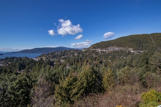 Photo 42: Photos: 5532 Westhaven Rd in West Vancouver: Eagle Harbour House for rent ()