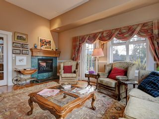 Photo 4: 513 Foul Bay Rd in : Vi Fairfield East House for sale (Victoria)  : MLS®# 871960