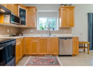 """Photo 7: 18186 66A Avenue in Surrey: Cloverdale BC House for sale in """"The Vineyards"""" (Cloverdale)  : MLS®# R2510236"""