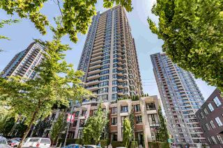 """Photo 1: 2308 928 HOMER Street in Vancouver: Yaletown Condo for sale in """"YALETOWN PARK"""" (Vancouver West)  : MLS®# R2181999"""