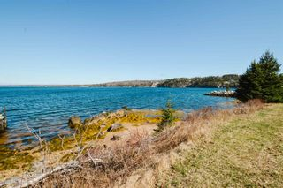 Photo 5: 410 Upper Blandford Road in Deep Cove: 405-Lunenburg County Residential for sale (South Shore)  : MLS®# 202108018