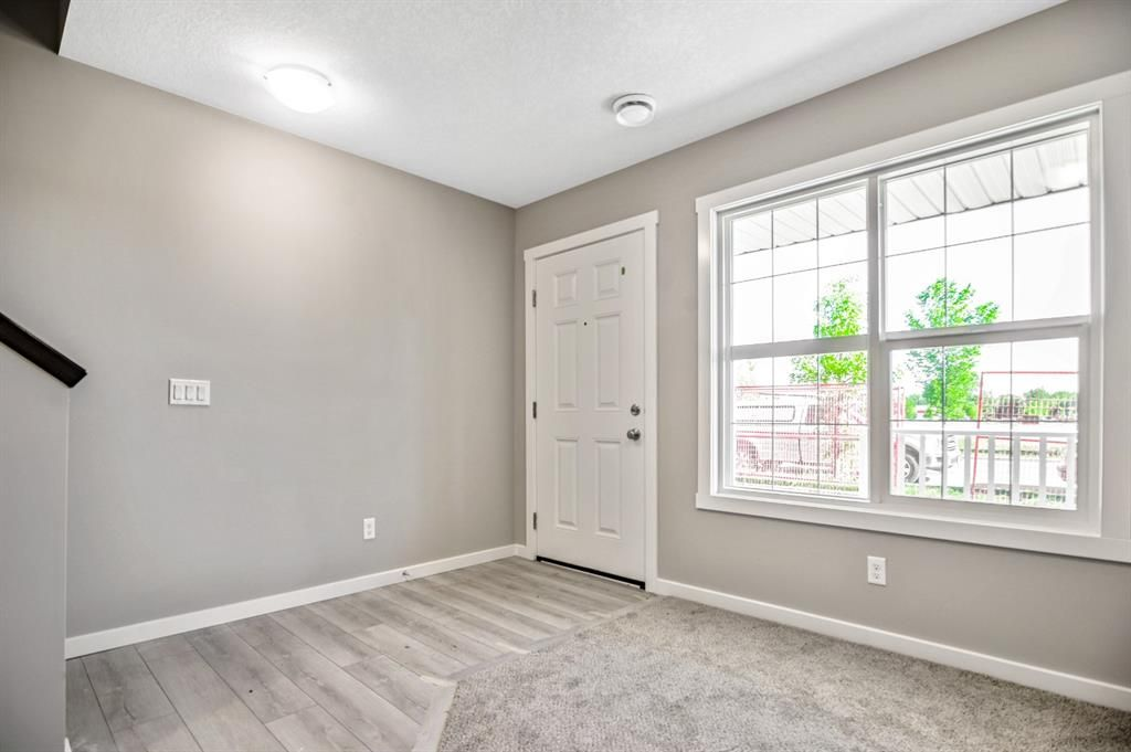 Main Photo: 5 1407 3 Street SE: High River Detached for sale : MLS®# A1116681