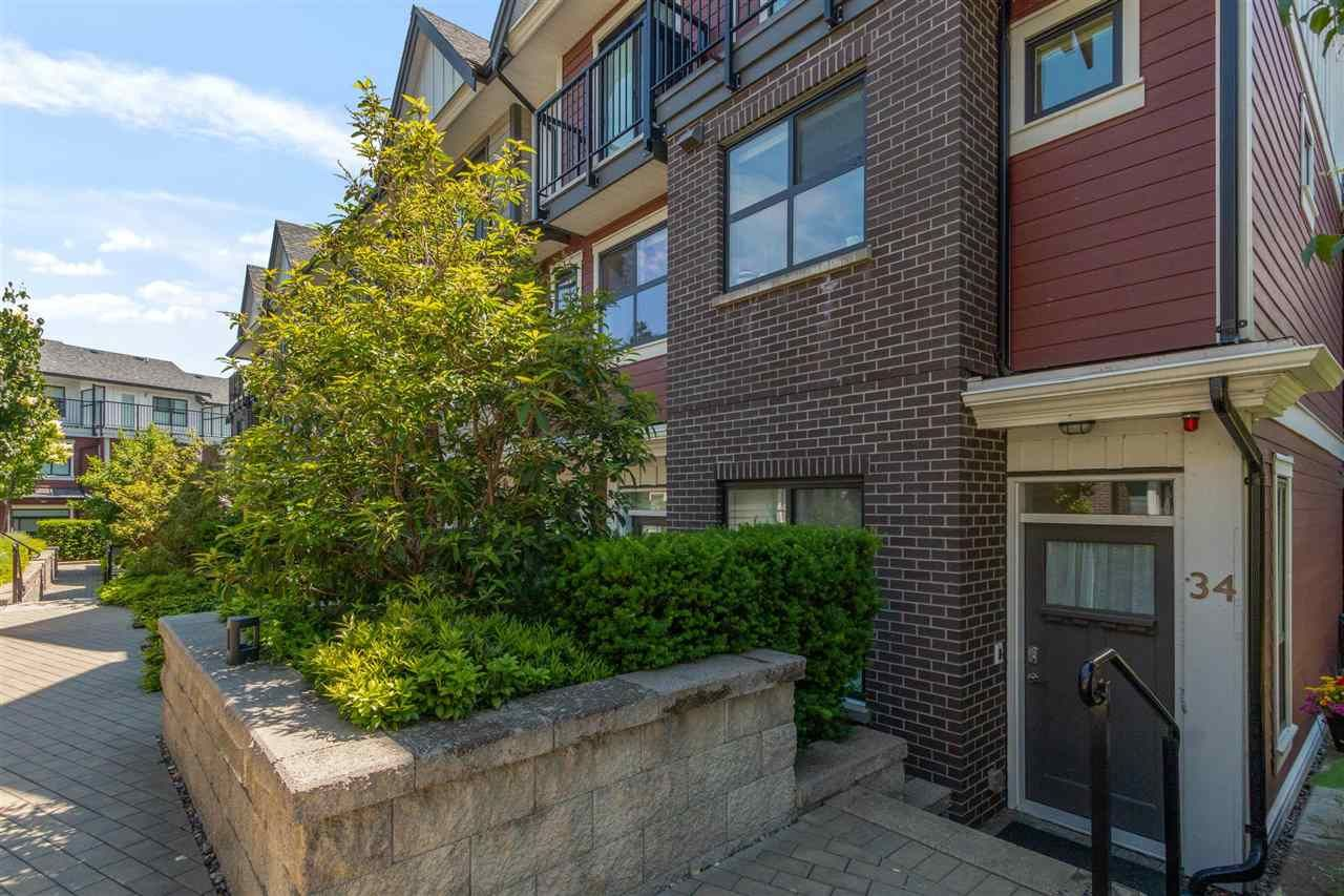 """Main Photo: 34 7039 MACPHERSON Avenue in Burnaby: Metrotown Townhouse for sale in """"VILLO METROTOWN"""" (Burnaby South)  : MLS®# R2591605"""