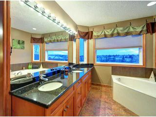 Photo 12: 40 HAWKMOUNT Heights NW in CALGARY: Hawkwood Residential Detached Single Family for sale (Calgary)  : MLS®# C3614590