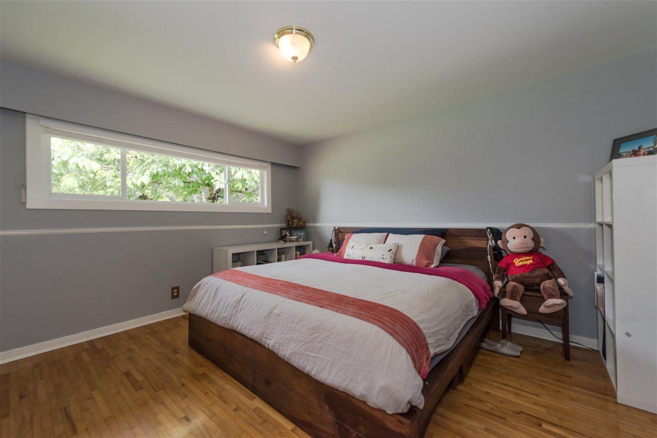 Photo 8: Photos: 5743 16 Avenue in Delta: Beach Grove House for sale (Tsawwassen)  : MLS®# R2176519