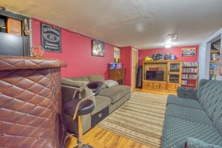 Photo 35: 70 Campbell Ave in High Bluff: House for sale : MLS®# 202116986