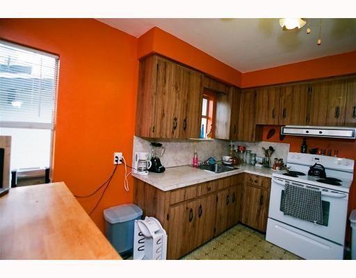 "Photo 7: Photos: 3695 NANAIMO Street in Vancouver: Grandview VE House for sale in ""GRANDVIEW"" (Vancouver East)  : MLS®# V790977"