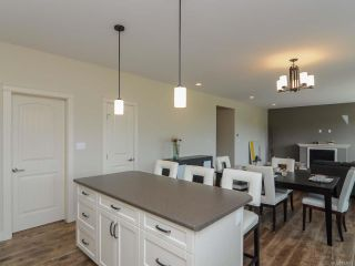Photo 14: 4060 SOUTHWALK DRIVE in COURTENAY: CV Courtenay City House for sale (Comox Valley)  : MLS®# 724874
