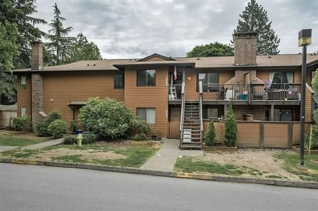Main Photo: : Townhouse for sale : MLS®# R2277187