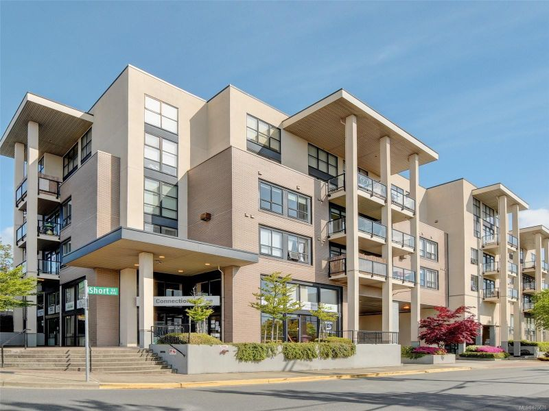 FEATURED LISTING: 410 - 820 Short St