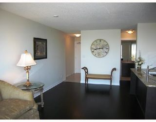 """Photo 5: 903 7555 ALDERBRIDGE Way in Richmond: Brighouse Condo for sale in """"OCEAN WALK"""" : MLS®# V672683"""