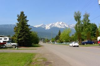 """Photo 20: 1386 BULKLEY Drive in Smithers: Smithers - Town House for sale in """"WALNUT PARK AREA"""" (Smithers And Area (Zone 54))  : MLS®# R2374804"""