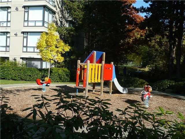 """Photo 12: Photos: 109 4685 VALLEY Drive in Vancouver: Quilchena Condo for sale in """"MARGUERITE HOUSE I"""" (Vancouver West)  : MLS®# R2073866"""