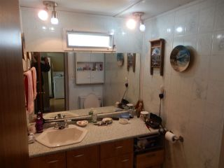 """Photo 11: 15 15820 FRASER Highway in Surrey: Fleetwood Tynehead Manufactured Home for sale in """"Greentree Estates"""" : MLS®# R2088242"""