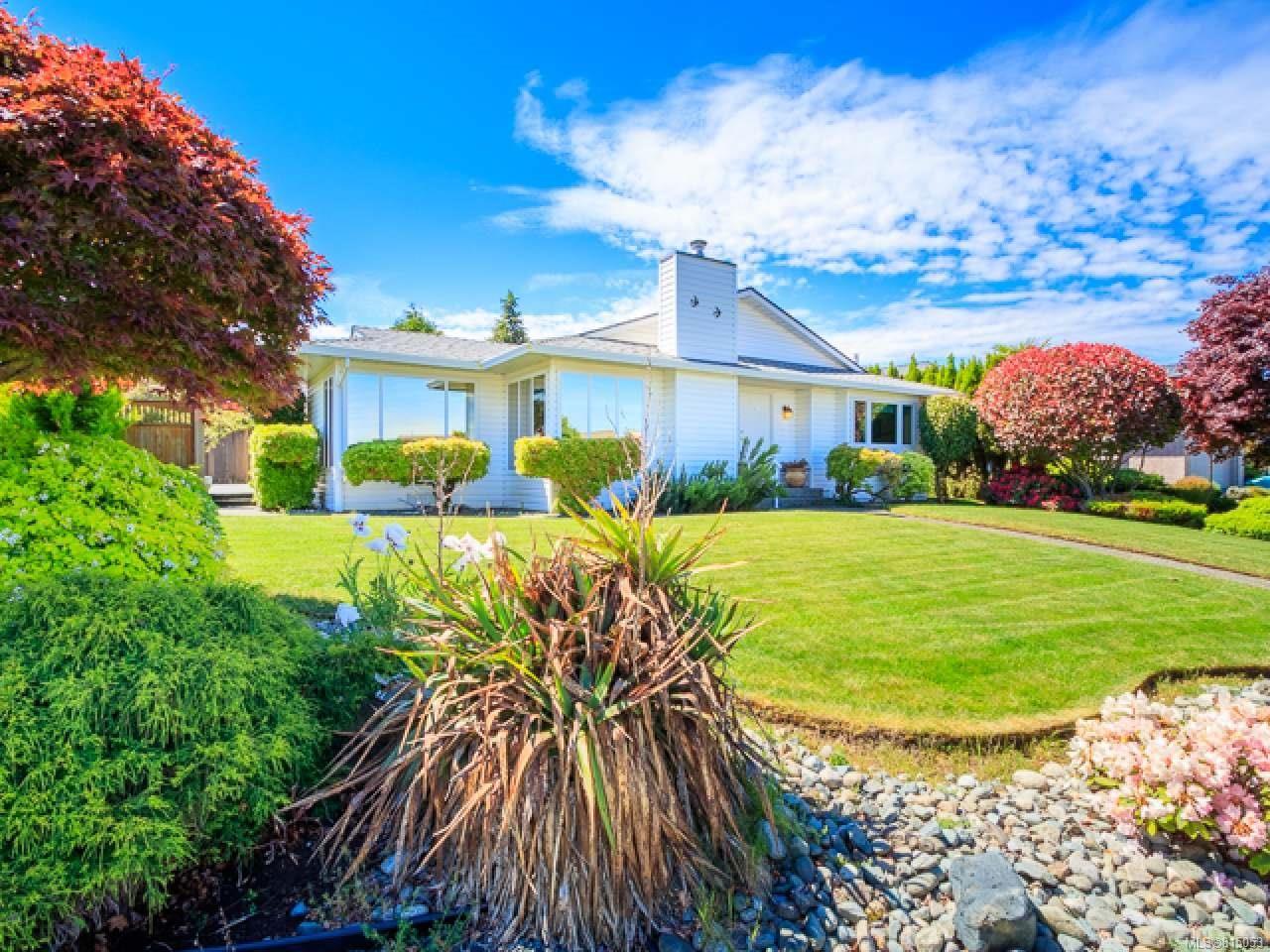 Main Photo: 6357 BLUEBACK ROAD in NANAIMO: Na North Nanaimo House for sale (Nanaimo)  : MLS®# 815053