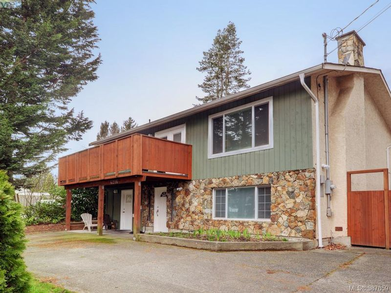 FEATURED LISTING: 8216 Shelbourne Street Victoria