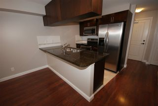 """Photo 5: 237 5660 201A Street in Langley: Langley City Condo for sale in """"Paddinton Station"""" : MLS®# R2188422"""