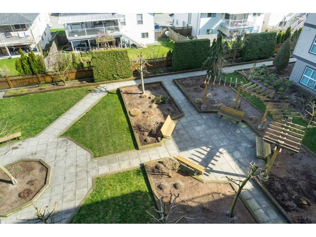 "Photo 18: Photos: 407 30525 CARDINAL Avenue in Abbotsford: Abbotsford West Condo for sale in ""Tamarind"" : MLS®# R2446195"