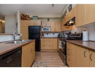 """Photo 4: 80 20350 68 Avenue in Langley: Willoughby Heights Townhouse for sale in """"SUNRIDGE"""" : MLS®# R2029357"""