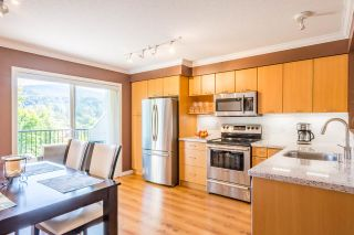 """Photo 3: 40 4401 BLAUSON Boulevard in Abbotsford: Abbotsford East Townhouse for sale in """"THE SAGE AT AUGUSTON"""" : MLS®# R2346626"""