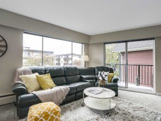 """Photo 8: 204 36 E 14 Avenue in Vancouver: Mount Pleasant VE Condo for sale in """"Rosemont Manor"""" (Vancouver East)  : MLS®# R2166015"""