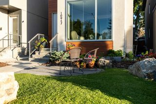 Photo 2: 10947 90 Avenue in Edmonton: Zone 15 House for sale : MLS®# E4249148